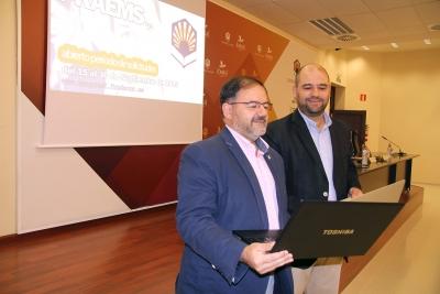 De izquierda a derecha, Librado Carrasco y Enrique Quesada durante la rueda de prensa