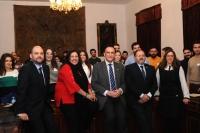De izquierda a derecha, Enrique Quesada, Mª Dolores Amo, José Carlos Gómez Villamandos, Librado Carrasco y María García, con los participantes en la nueva edición del  Programa Explorer
