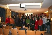 Foto de familia de autoridades académicas y galardonados