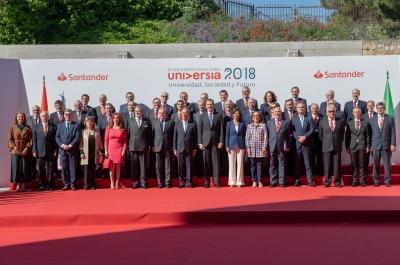 Foto de grupo del IV Encuentro Internacional de Rectores Universia