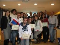 Los premiados junto a los miembros del jurado del concurso