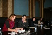 Anabel Carrillo (a la izquierda) modera la última mesa de la tarde