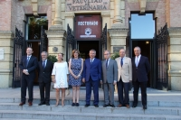 Autoridades en la clausura de curso de la Cátedra Prasa de Empresa Familiar