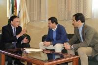 El rector conversa el Rectorado con Moreno Bonilla y  José Antonio Nieto durante su visita institucional