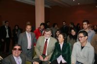 La ministra Rosa Aguilar con alumnos y autoridades universitarias antes de su conferencia