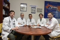 En la foto, de izquierda a derecha, los doctores Antonio García Ríos, Francisco Pérez Jiménez, José López Miranda, Pablo Pérez y Javier Delgado.