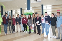 Los participantes en la sede de Córdoba, junto a Rosa Gallardo y Alfonso Zamorano (en el centro)