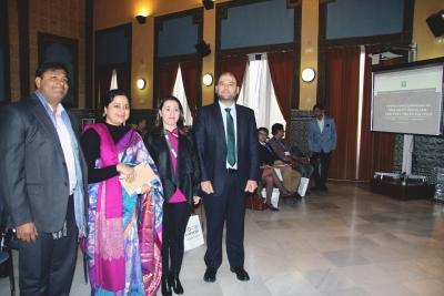 A la derecha, el vicerrector Enrique Quesada, junto a integrantes del comité organizador del Congreso