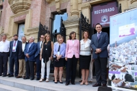 Foto de familia de autoridades y asistentes al taller-seminario sobre brecha salarial de género en turismo rural responsable