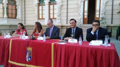 Autoridades asistentes al acto inaugural de las jornadas