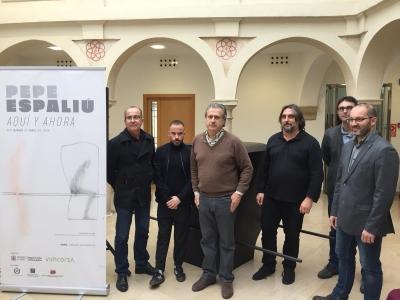 A la izquierda, José Álvarez, director general de Cultura de la UCO, con representantes las organizaciones que colaboran en el desarrollo del proyecto 'Pepe Espaliú, Aquí y Ahora'