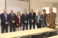 Foto de familia de las autoridades asistentes a la inauguración de los nuevos espacios docentes