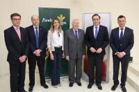 De izquierda derecha, José Luis Vega-Leal, Antonio Cubero, Rosa Gallardo, José Luis García Palacios, José Carlos Gómez Villamandos y Emilio Ponce
