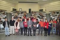 Autoridades asistentes junto a los alumnos participantes