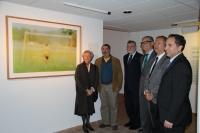 Vari Caramés y autoridades junto a la obra premiada en esta séptima edición