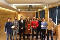 Los integrantes del equipo del Proyecto Roatán, junto al decano de la Facultad de Ciencias, Manuel Blázquez, y la vicerrectora de Estudios de Posgrado, Julieta Mérida.