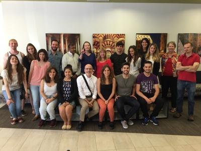 Foto de familia de estudiantes de la UCO y de VCU junto al profesorado participante en el programa