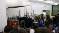Alumnos asisten a uno de los laboratorios de la UCO