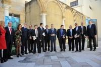 Autoridades y premiados tras la ceremonia de entrega