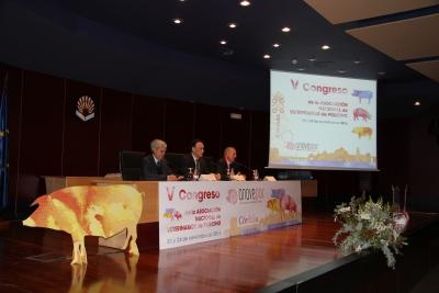 De izq. a dcha. Juan José Badiola Díez, José Carlos Gómez Villamandos y Anselmo Perea Remujo