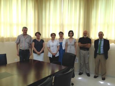 Foto de familia de los integrantes de las dos delegaciones
