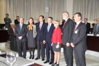 Autoridades e integrantes del patronato de Agrópolis con el comisario europeo de Agricultura