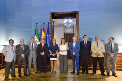 La presidenta de la Junta con los rectores andaluces