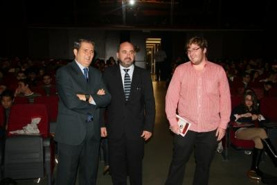 De izda. a dcha., Pedro Montero, Manuel Torres y Juan Miguel Almansa, minutos antes de la la inauguración de las Jornadas