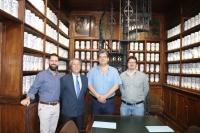 Imagen del acuerdo firmado durante la mañana de hoy en la Facultad de Filosofía y Letras.
