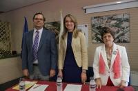 De izquierda a derecha, Alberto Marinas, director adjunto al vicerrectorado de Investigación de la UCO; Rosa Gallardo, directora de la ETSIAM; y Rafaela Dios, organizadora de Efiuco