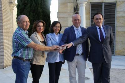 De izquierda a derecha, Antonio Osuna, Isabel Ambrosio, Rosa Aguilar, Antonio Ruiz y José Carlos Gómez Villamandos.