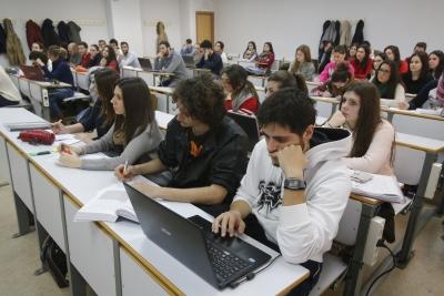 Estudiantes de la UCO en clase