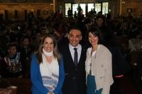 De izquierda a derecha, Esther Ruiz, Alfonso Zamorano y Purificación Pérez, en el salón Juan XXIII de Rabanales.