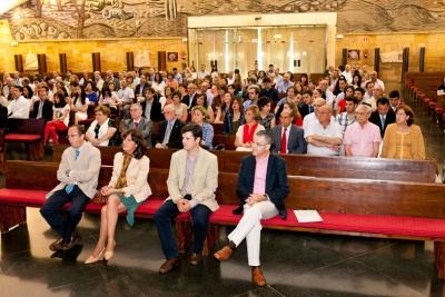 Asistentes a la ceremonia de graduación