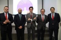 De izquierda a derecha, Francisco Ríos, Enrique Quesada, Pablo López, Alfonso García-Ferrer y Antonio Casado antes del inicio de la presentación