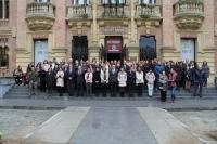 Autoridades académicas y personal de la Universidad de Córdoba en la concentración celebrada en el Rectorado.