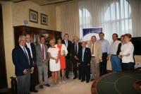 Robert Huber con el equipo de gobierno de la Universidad