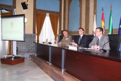 De izquierda a derecha, Antonio Ruiz Olmos, José Carlos Gómez Villamandos y Eulalio Fernández Sánchez