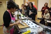 La Cátedra Intergeneracional imparte un taller que hace de la alimentación una experiencia cultural