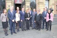 Foto de familia de autoridades asistentes a la inauguración del congreso