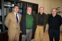 El vicerrector de Política Científica, Enrique Aguilar (el segundo por la izda.) con los integrantes del jurado Rafael Beltrán, Agustín Zapata y Miguel A. Losada.