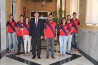 El rector, José Carlos Gómez Villamandos, con los integrantes del equipo que representará a la UCO en el CMUDE de Bogotá