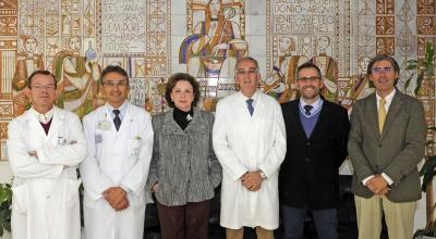 Luis Jimenez,(el cuarto por la izquierda), junto a los integrantes del nuevo equipo decanal