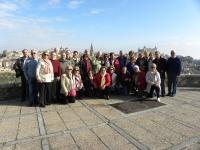 Foto de familia de los participantes en el viaje a  Toledo