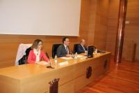 De izqda. a dcha., María Martínez-Atienza de Dios, José Carlos Gómez Villamandos y Salvador López Quero durante la inauguración de las jornadas