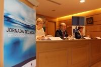 María Deocón, gerente de Cetaqua Andalucía; Enrique Quesada, vicerrector de Innovación, Transferencia y Campus de Excelencia; y Carmen Tarradas, directora de la Oficina de Transferencia de Resultados de Investigación de la Universidad de Córdoba (de izquierda a derecha)