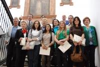 Foto de familia de premiados y autoridades universitarias