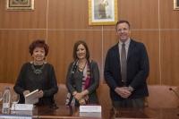 De izquierda a derecha, Marisa Mestres, Mª Carmen Liñán y Eulalio Fernández.