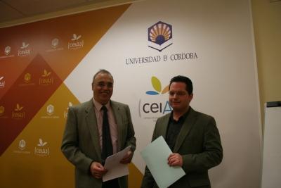 Diego Martínez (izq) y Juan de Dios Torralbo durante la presentación y