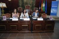 De izquierda a derecha, María Rosal, Mª Trinidad Moreno y Sandra Dominique Moreno